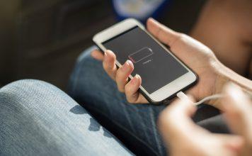 """Si eres de las personas que suele tratar un móvil con cuidado; por el simple hecho de lo costoso que resulta adquirir uno. Sin importar la gama, diseño, o especificaciones externas, están también las internas; que almacenan una cantidad considerable de energía, entre ellas se encuentra la """"batería""""."""